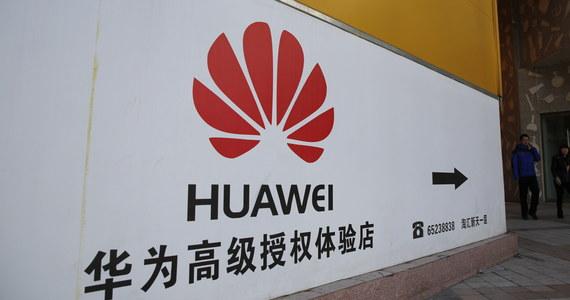 Zatrzymanie Chińczyka Weijinga W. w Polsce w związku z podejrzeniem o szpiegostwo to kolejna akcja na świecie wobec koncernu Huawei. Gigant telekomunikacyjny jest od lat uważany za zagrożenie w związku z bliskimi powiązaniami z rządem Chińskiej Republiki Ludowej. Huawei odrzuca te oskarżenia, jednak pętla coraz mocniej się zaciska.
