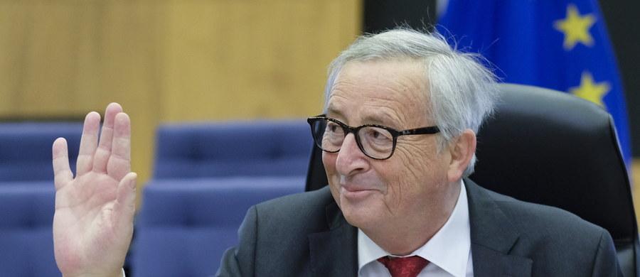 """Brak porozumienia między Wielką Brytanią a Unią Europejską w sprawie wyjścia tego kraju ze Wspólnoty oznaczałby """"katastrofę"""" zarówno dla Wielkiej Brytanii, jak i dla """"27"""" - ocenił w Bukareszcie szef Komisji Europejskiej Jean-Claude Juncker."""