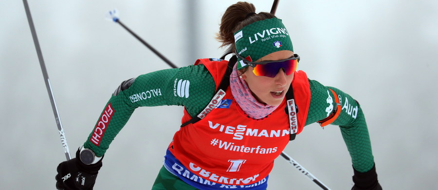 Włoszka Lisa Vittozzi, która wygrała czwartkowy sprint biathlonowego Pucharu Świata w Oberhofie, triumfowała także w sobotnim biegu na dochodzenie na 10 km. Tego dnia nie powiodło się Polkom - najlepsza z nich Monika Hojnisz zajęła 30. miejsce.