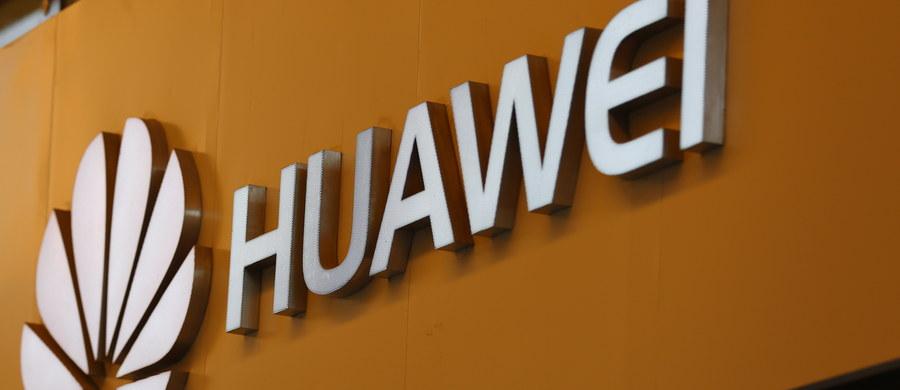 Chiński koncern telekomunikacyjny Huawei rozwiązał umowę z zatrzymanym w Polsce przez ABW pod zarzutem szpiegostwa Weijingiem W. - podała agencja Reutera. Chińczyk był jednym z dyrektorów polskiego oddziału firmy.