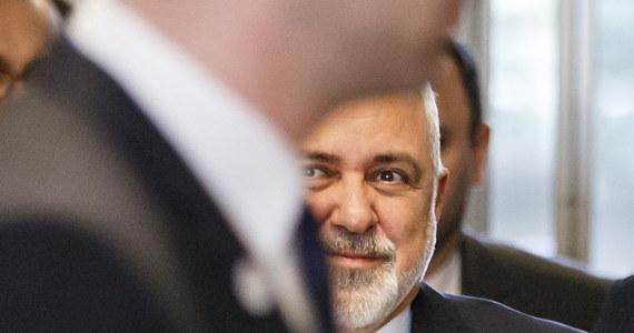 Ministerstwo Spraw Zagranicznych Iranu wezwało charge d'affaires ambasady Polski w Teheranie, by oficjalnie zaprotestować przeciw zaplanowanej na luty konferencji na temat sytuacji na Bliskim Wschodzie, a zwłaszcza wpływów Iranu w tym regionie. Wydarzenie, współorganizowane ze Stanami Zjednoczonymi, ma się odbyć w Warszawie.