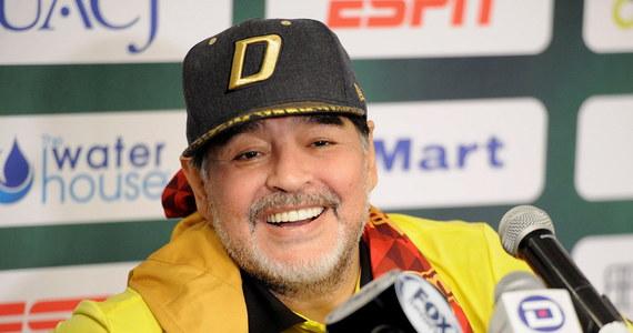 """Legendarny piłkarz Diego Maradona wraca do zdrowia po udanym, """"rutynowym zabiegu"""" - jak zaznaczył jego prawnik - przeprowadzonym w Buenos Aires. Kilka dni temu wykryto u niego krwotok żołądkowo-jelitowy."""