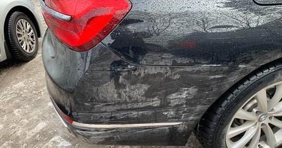 Kolizja samochodu Służby Ochrony Państwa w Krakowie. Jak się nieoficjalnie dowiedzieliśmy pojazdem podróżował wicepremier Jarosław Gowin, którego ugrupowanie spotkało się w Krakowie na pierwszej konwencji krajowej partii Porozumienie.