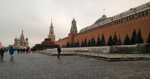 Ponad połowa Rosjan, aż 53 procent domaga się dymisji rządu. Tak fatalnych notowań gabinet Dmitrija Miedwiediewa nie miał od lat.
