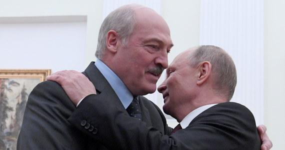 Wchłonięcie Białorusi przez Rosję postawi Polskę w niezwykle trudnej sytuacji strategicznej. Faktycznie 418-kilometrowa granica z Białorusią stanie się granicą z Rosją. Dramatyczna stanie się wówczas sytuacja republik bałtyckich, Litwy, Łotwy i Estonii. Ukraina przestanie być ważnym dla NATO buforem oddzielającym sojusz od Rosji, a funkcję buforu pomiędzy Rosją i krajami NATO przejmie Polska.