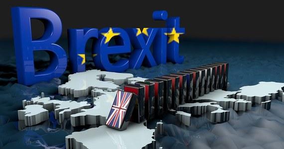 Brytyjska premier Theresa May po raz pierwszy przyznała, że jeśli podczas wtorkowego głosowania w Izbie Gmin posłowie odrzucą kompromis zawarty z Brukselą, może ogóle nie dojść do Brexitu. Zazwyczaj szefowa rządu jest bardzo ostrożna. Ale im bliżej konfrontacji z rzeczywistością, tym bardziej zmienia się jej polityczny język.
