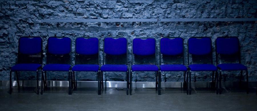 W związku z żałobą po śmierci prezydenta Gdańska Pawła Adamowicza wiele teatrów i instytucji kultury odwołuje swoje spektakle i koncerty. Tak będzie m.in w stołecznym Teatrze Polonia i gdańskim Teatrze Wybrzeże.