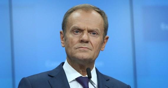 """Donald Tusk w mocnych słowach skomentował odrzucenie przez brytyjską Izbę Gmin projektu umowy ws. warunków wyjścia Wielkiej Brytanii z Unii Europejskiej. """"Jeśli porozumienie jest niemożliwe, a nikt nie chce braku porozumienia, to kto będzie miał wreszcie odwagę powiedzieć, jakie jest jedyne pozytywne rozwiązanie?""""- napisał szef Rady Europejskiej na Twitterze."""