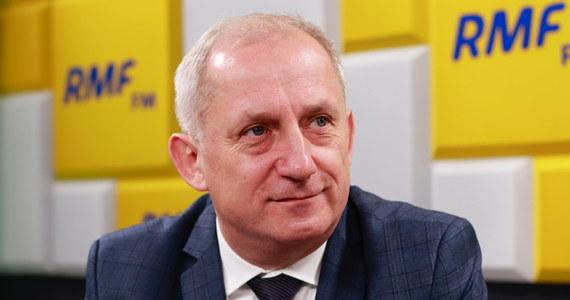 """""""Mam wrażenie, że tego nie było, że to jest nieprawda, że to jest po prostu niemożliwe, że coś takiego się wydarzyło. Dla wszystkich to jest szok, to co się dzisiaj dzieje w Gdańsku. To jest niewiarygodne. Nikt nie chce w to uwierzyć. To się stało, ale my cały czas nie chcemy w to uwierzyć"""" - mówi w Porannej rozmowie w RMF FM Sławomir Neumann, szef klubu parlamentarnego Platformy Obywatelskiej."""