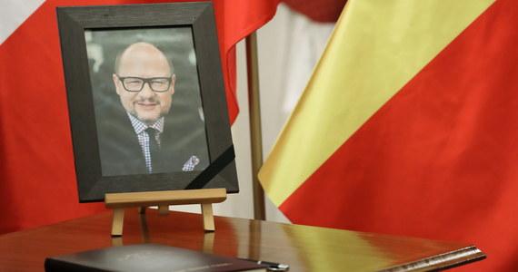 W związku z tragiczną śmiercią prezydenta Gdańska Pawła Adamowicza prezydent Andrzej Duda skierował do premiera rozporządzenie ws. wprowadzenia w kraju żałoby narodowej.