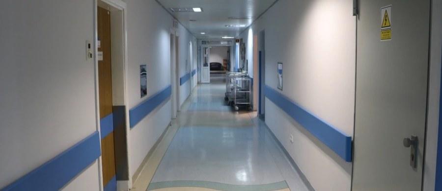 Wstrzymane przyjęcia na czterech oddziałach w Mazowieckim Szpitalu Specjalistycznym w Ostrołęce. Lecznica jest przepełniona z powodu nagłego wzrostu zachorowań na grypę.