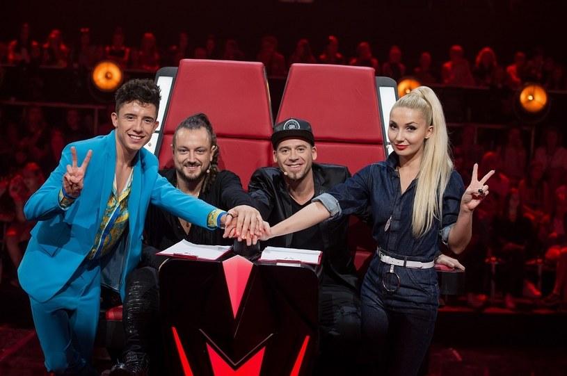 """Drugą edycję """"The Voice Kids"""" po sześciu odcinkach emisji ogląda średnio 2,04 mln osób, minimalnie mniej względem pokazywanej rok temu pierwszej odsłony widowiska. TVP2 w czasie emisji programu jest liderem rynku."""