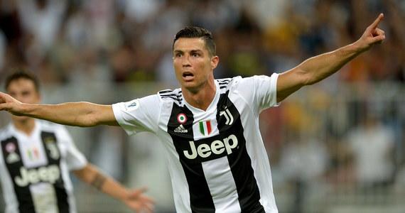 Słynny portugalski piłkarz Cristiano Ronaldo będzie musiał stawić się we wtorek przed sądem w Madrycie, który skaże go na 18,8 mln euro kary za oszustwo podatkowe - poinformował rzecznik prasowy tej instytucji.