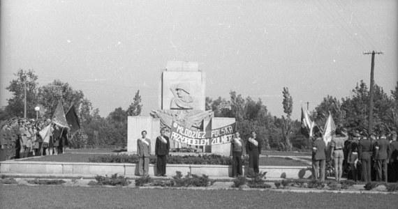 """W styczniu w wielu polskich miastach organizowane są uroczystości z okazji """"wyzwolenia"""" ich w 1945 roku przez Armię Czerwoną."""