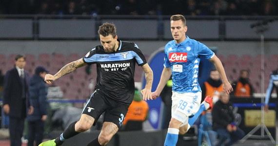 Arkadiusz Milik zdobył bramkę dla Napoli, a jego zespół pokonał u siebie Lazio 2:1 w 20. kolejce włoskiej ekstraklasy piłkarskiej. Łącznie Polak ma 11 goli w tym sezonie. W barwach Atalanty Bergamo zadebiutował natomiast Arkadiusz Reca.