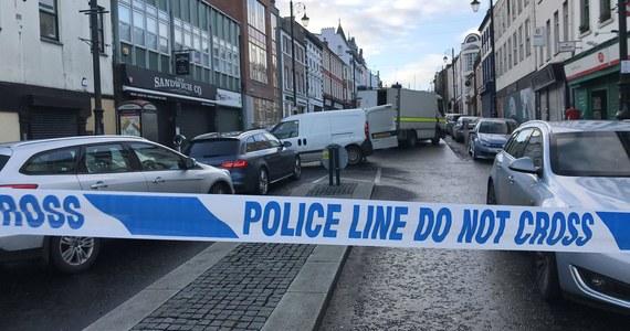 Policja północnoirlandzka (PSNI) potwierdziła w poniedziałek, że zajmuje się sprawą drugiej domniemanej kradzieży samochodu w celach terrorystycznych. W tym samym czasie PSNI przeprowadziła kontrolowaną eksplozję ładunku pozostawionego w pierwszym skradzionym aucie.