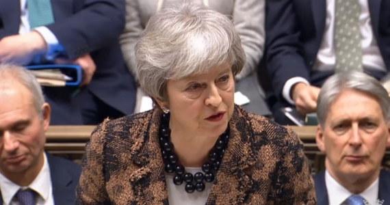 Brytyjska premier Theresa May poinformowała, że jej rząd wycofał się z planowanych opłat za rejestrację obywateli UE, którzy po brexicie chcą dalej mieszkać w Wielkiej Brytanii. Zapowiedziała rozważenie sugestii szefa MSZ Jacka Czaputowicza w sprawie backstopu.