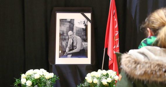 Władze pomorskiego Prawa i Sprawiedliwości wykluczyły z partii radnego powiatowego PiS z Kościerzyny Dariusza Jantę za jego wpis w internecie dotyczący zamordowanego prezydenta Gdańska Pawła Adamowicza.