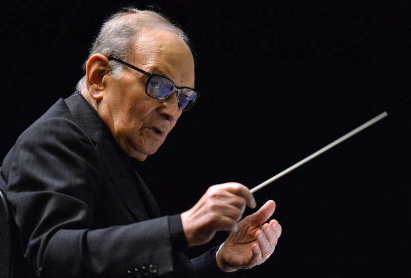 Każdy reżyser spodziewa się usłyszeć coś, co chodzi mu po głowie, co niekiedy gdzieś już usłyszał, ale nie do końca wie, co i jak - powiedział kiedyś Ennio Morricone. Jeden z najwybitniejszych twórców muzyki filmowej, który skończył niedawno 90 lat, w sobotę, 19 stycznia, w Krakowie pożegnał się z polską publicznością.