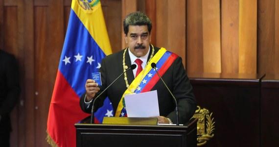 Wenezuela zrywa stosunki dyplomatyczne ze Stanami Zjednoczonymi - ogłosił wenezuelski prezydent Nicolas Maduro, którego ustąpienia żądają setki tysięcy demonstrantów.