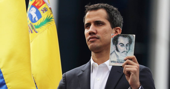 Lider wenezuelskiej opozycji Juan Guaido ogłosił się tymczasowym prezydentem kraju. Setki tysięcy mieszkańców Wenezueli domagają się zakończenia rządów Nicolasa Maduro. Amerykańska administracja uznała Guaido za prawowitego przywódcę tego południowoamerykańskiego państwa.