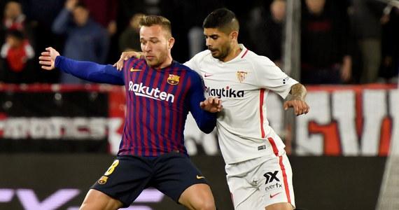 Występująca bez kilku podstawowych zawodników, w tym Lionela Messiego, Barcelona przegrała na wyjeździe z Sewillą 0:2 w pierwszym meczu ćwierćfinałowym piłkarskiego Pucharu Hiszpanii. Rewanż za tydzień.