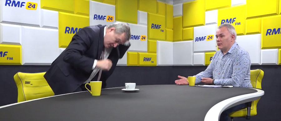 """Gościem Roberta Mazurka w Porannej rozmowie w RMF FM był dziś Piotr Gliński. Szef resortu kultury wyszedł ze studia w trakcie internetowej części wywiadu. """"Nie będziemy o tym rozmawiali"""" - stwierdził po jednym z pytań."""