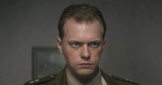 """Pojawił się pierwszy zwiastun """"Kuriera"""" w reż. Władysław Pasikowskiego. Nakręcił on sensacyjno-szpiegowski film, inspirowany misją Jana Nowaka-Jeziorańskiego."""