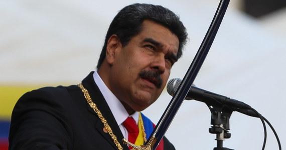 """Wenezuelska armia uznała ogłoszenie się przez lidera opozycji prezydentem kraju za """"zamach stanu"""" - wynika z oświadczenia opublikowanego przez wojskowych. Obecnego prezydenta Nicolasa Maduro poparł także minister obrony Vladimir Padrino."""