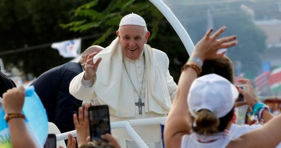 Dziesiątki tysięcy młodych ludzi przybyło na oficjalną inauguracje Światowych Dni Młodzieży w Panamie. Wśród pielgrzymów jest kilka tysięcy Polaków.