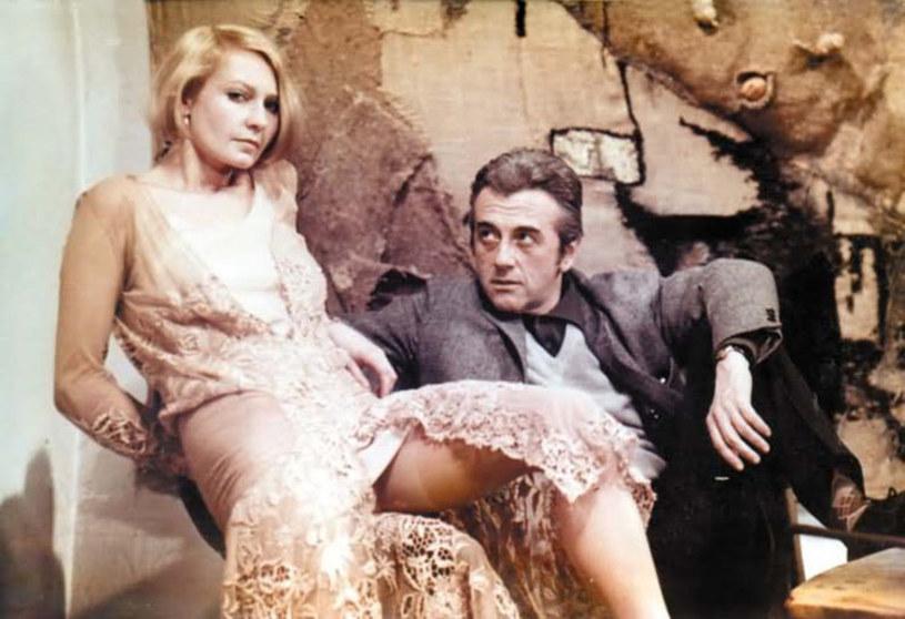 """Film Andrzeja Wajdy """"Wszystko na sprzedaż"""" był hołdem złożonym """"wielkiemu nieobecnemu"""", czyli Zbigniewowi Cybulskiemu, który w styczniu 1967 roku tragicznie zginął, wskakując do pociągu. Premiera odbyła się 28 stycznia 1969 roku. Mija 50 lat od tego dnia."""
