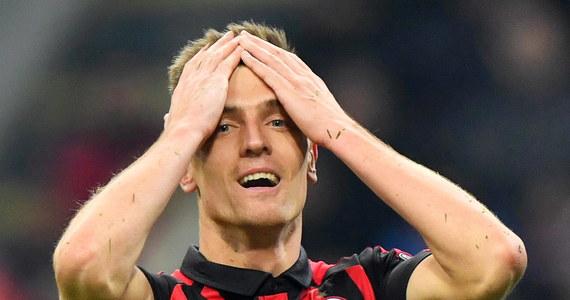 Krzysztof Piątek zadebiutował w barwach Milanu w meczu z Napoli zremisowanym 0:0 w 21. kolejce włoskiej ekstraklasy piłkarskiej. Wszedł na boisko w 72. minucie za Patricka Cutrone.
