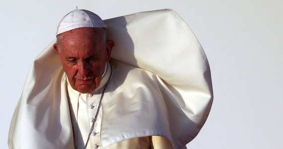 Na zakończenie pobytu w Panamie podczas Światowych Dniach Młodzieży, Franciszek spotkał się z 20 tysiącami wolontariuszy. Podobnie, jak w 2016 roku w Krakowie, przyznał, że nie wie, czy będzie na następnych ŚDM w Lizbonie za trzy lata. Spotkanie tuż przed odlotem papieża do Rzymu, odbyło się na stadionie imienia panamskiego piłkarza Rommela Fernandeza.