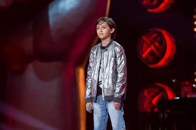 """11-letni Staś Kukulski pokazał się z dobrej strony w programie """"The Voice Kids"""". Dwa lata wcześniej chłopiec próbował szczęścia w innym konkursie."""