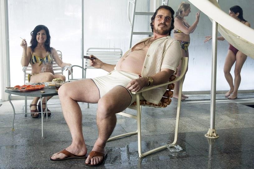 Uchodzi za mistrza filmowej transformacji. Do kolejnych ról chudnie i tyje, za każdym razem zmieniając się nie do poznania. Jednocześnie uchodzi za jednego z najzdolniejszych aktorów pracujących obecnie w Hollywood. 30 stycznia 2019 roku Christian Bale kończy 45 lat.