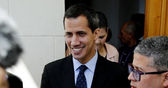 Parlament Europejski uznał w czwartkowym głosowaniu przywódcę opozycji i przewodniczącego parlamentu Wenezueli Juana Guaido za tymczasowego prezydenta tego kraju.