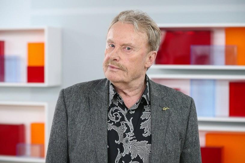 Daniel Olbrychski to nie tylko znakomity aktor, ale też czarujący człowiek i świetny rozmówca. Uwielbia swój zawód. Ma też inne, równie ciekawe pasje - jazdę konną oraz boks. 27 lutego będzie świętował 74. urodziny.