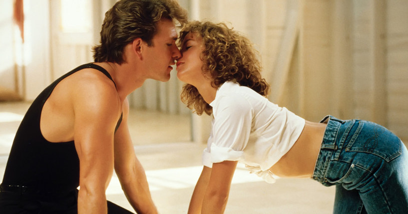 Wysoki, dobrze zbudowany, idealnie pasował do filmowych ról twardych facetów. A jednak Patrick Swayze sławę zdobył jako romantyczny kochanek.