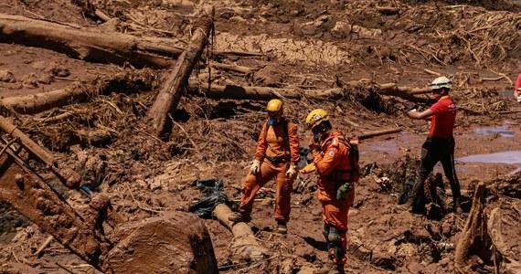 Do 121 wzrosła liczba ofiar śmiertelnych po przerwaniu tamy w kopalni rudy żelaza Corrego do Feijao w stanie Minas Gerais w Brazylii. Jak poinformowały służby ratownicze, 226 osób uważanych jest za zaginione.