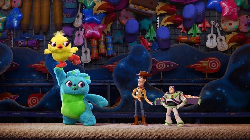"""3 lutego 2019 roku odbył się Super Bowl - finał ligi futbolu amerykańskiego. Co roku jest to najpopularniejsze wydarzenie w telewizji za oceanem, a czas reklamowy w przerwach meczu należy do najdroższych. Tradycją stały się krótkie zapowiedzi nadchodzących hitów filmowych. W tym roku triumfował Disney - wyemitowano między innymi zapowiedzi """"Avengers: Koniec gry"""", """"Kapitan Marvel"""" oraz """"Toy Story 4""""."""