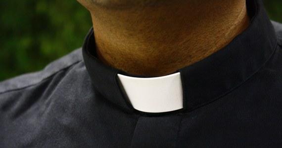 Papież Franciszek przyznał, że istnieje problem wykorzystywania zakonnic przez księży. Podczas konferencji prasowej na pokładzie samolotu w drodze ze Zjednoczonych Emiratów Arabskich do Rzymu zapewnił, że trwają prace, by rozwiązać ten problem.