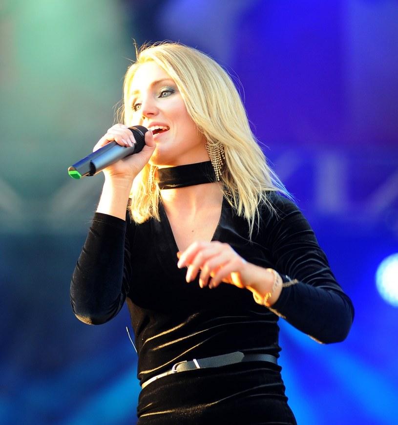 """Ponad 150 tys. odsłon ma już teledysk """"Znikam stąd"""" młodej wokalistki Agaty Sobocińskiej."""