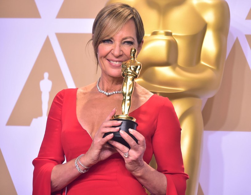 """Chaosu związanego z tegoroczną galą Oscarową ciąg dalszy. Tym razem swoje trzy grosze dorzuciła Allison Janney, zeszłoroczna laureatka nagrody za najlepszą drugoplanową rolę żeńską za """"Jestem najlepsza. Ja, Tonya"""". Według aktorki w tym roku wyróżnień za najlepsze kreacje nie wręczą zeszłoroczni wygrani."""