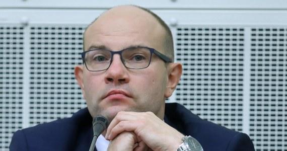 Marszałek województwa podlaskiego Artur Kosicki (PiS) poinformował w czwartek na konferencji prasowej w Białymstoku, że wycofuje złożoną dwa dni wcześniej rezygnację ze stanowiska.