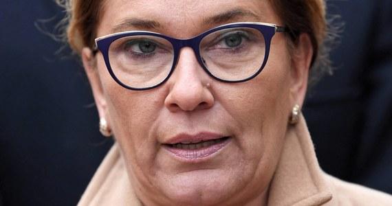 """Faktura, którą ujawniła """"Gazeta Wyborcza"""" nie jest podstawą do dokonania płatności, bo w niej nie wiadomo, o co chodzi. Taką fakturę każdy może wystawić każdemu - mówi rzeczniczka PiS Beata Mazurek."""