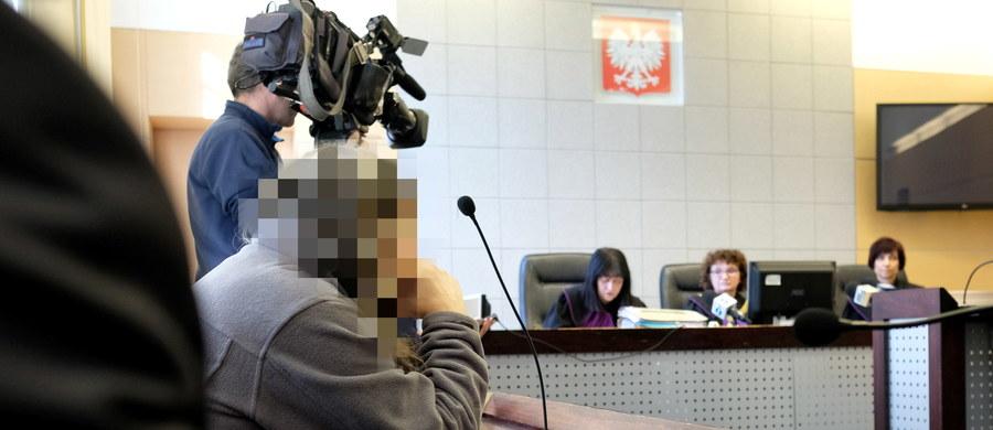 140 tys. zł zadośćuczynienia ma otrzymać Andrzej M., który stracił w lawinie pod Rysami w 2003 r. dwóch synów. Pozwał on organizującego wycieczkę nauczyciela, uczniowski klub sportowy i samorząd Tychów, domagając się 700 tys. zł.
