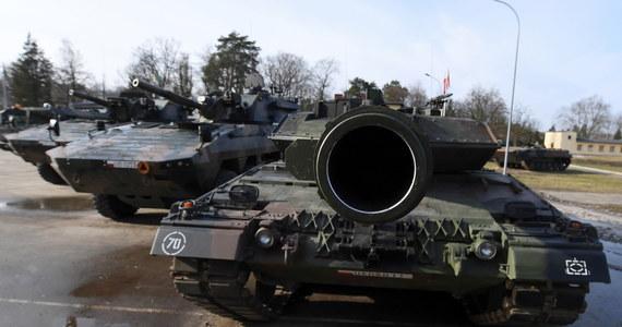 Już za trzy dni polski rząd odpisze z Amerykanami umowę na dostarczenie dla Wojska Polskiego dywizjonu artylerii rakietowej HIMARS. System zapewnia możliwość rażenia celów odległych nawet o 300 km. Za 20 wyrzutni z amunicją zapłacimy 414 mln dolarów.
