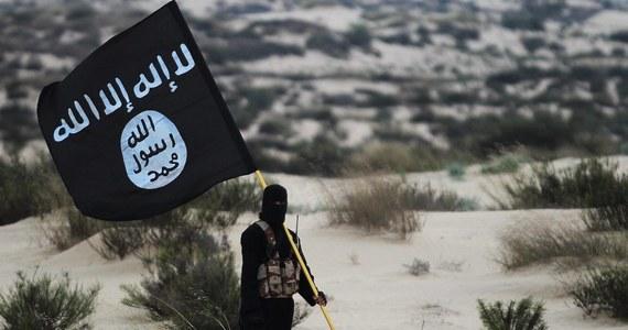 Spadek ataków i spisków terrorystycznych w 2018 roku nie wyeliminował zagrożenia ze strony ISIL dla świata. Wciąż pozostaje niebezpieczną globalną organizacją o scentralizowanym przywództwie - podano w raporcie sekretarza generalnego ONZ, który omawiała w poniedziałek RB.