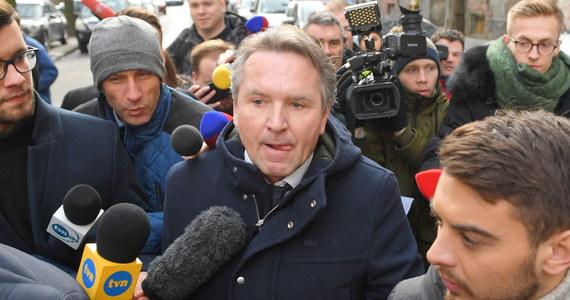 Już jutro dojdzie do kontynuacji przesłuchania Geralda Birgfellnera przed warszawską prokuraturą. Austriacki biznesmen składał wczoraj zeznania w związku z zawiadomieniem o podejrzeniu popełnienia przestępstwa oszustwa przez prezesa PiS Jarosława Kaczyńskiego.