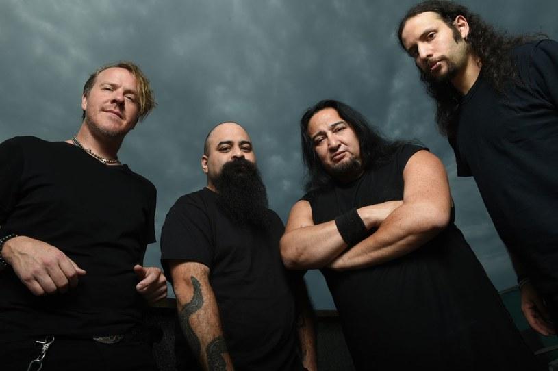 Goliaci industrialnego metalu z Fear Factory ujawnili pierwsze szczegóły nowego longplaya.